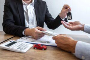 traspasar el seguro de un coche